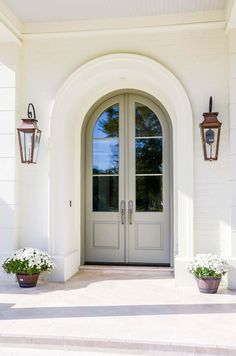Front Door Paint Colors - Want a quick makeover? Paint your front door a different color. Here a pretty front door color ideas to improve your home's curb appeal and add more style! Arched Front Door, Unique Front Doors, Arched Doors, Front Door Decor, Windows And Doors, Front Door With Glass, Front Entry, White Front Doors, Wood Double Front Doors