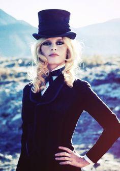 la-modella-mafia-Boyish-Chic-inspiration-style-icon-Briggite-Bardot.jpg 500×713 Pixel