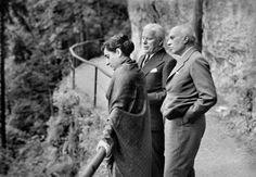 Charlie Chaplin, Indira Gandhi et J.Nehru, en Suisse, en 1953.