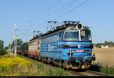Net Photo: CD 240 066 1 Ceske Drahy CD 240 at Skridla, Czech Republic by Jaroslav Dvorak Location Map, Photo Location, Rail Transport, Bahn, Armored Vehicles, Czech Republic, Locomotive, Techno, Holland