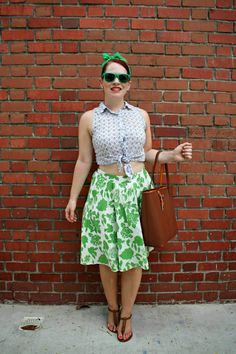 12 Different Ways to Wear a Crop Top | how to wear a crop top | pear shaped fashion