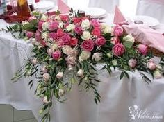Znalezione obrazy dla zapytania zieleń róż wesele Church Flowers, Flower Arrangements, Reception, Table Decorations, Wedding, Furniture, Roses, Home Decor, Gardening