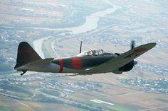 【熊本地震】 零戦が被災地の空を舞う 翼から「くまモン」応援