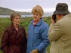 Murder She Wrote Cabot Cove -Jean Simmons and Angela Lansbury.