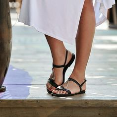 Always CLASSIC black sandals with metallic details ! Birkenstock Mayari, Black Sandals, Metallic, Classic, Shoes, Women, Fashion, Women Sandals, Fine Women