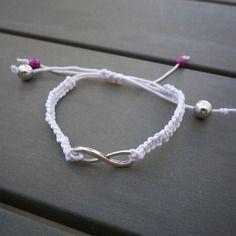 Bracelet en macramé blanc -  bijoux - idée cadeau - anniversaire