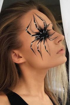 Halloween make-up ideas are extremely versatile and sometimes difficult - Make . Halloween make-up Cool Halloween Makeup, Halloween Inspo, Halloween Looks, Scary Halloween, Halloween Party, Spider Halloween Costume, Facepaint Halloween, Halloween Decorations, Halloween Makeup Vampire