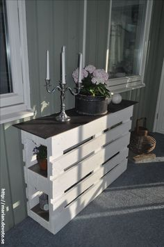 Kreative Möbel Ideen mit Holzpaletten Creative furniture ideas with wooden pallets Related Post Wow, beautiful bathroom in Shabby Chic Look Wood Pallet Recycling, Wooden Pallet Projects, Wooden Pallet Furniture, Recycled Pallets, Wooden Pallets, Diy Furniture, Pallet Wood, Outdoor Furniture, Furniture Design