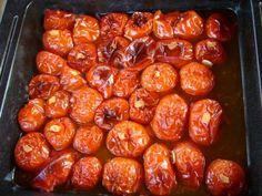 Paradicsom pesto befőzés házilag | A napfény illata Pesto, Good Food, Homemade, Vegetables, Cooking, Desserts, Recipes, Book, Kitchen