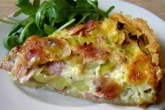 Leek and Ham Tart. A simple tart that will have you dreaming of your favorite French cafe. How To Cook Ham, How To Cook Potatoes, Easy Home Recipes, New Recipes, French Recipes, Favorite Recipes, Healthy Breakfast Recipes, Healthy Snacks, Meals Kids Love