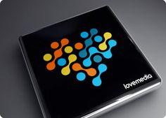 LOVEMEDIA: Diseño de logo para empresa de social media y marketing on-line.