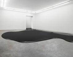 Black is comming. nstallations by Fabian Bürgy.- (via http://jaredleto.com/thisiswhoireallyam/2013/07/21/installations-by-fabian-burgy/ and http://www.fabianbuergy.com/