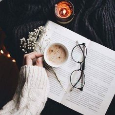5 sci-fi and fantasy novels to read this fall! 5 sci-fi and fantasy novels to read this fall! Coffee Photography, Flat Lay Photography, Autumn Photography, Photography Poses, Photography Aesthetic, Morning Photography, Indoor Photography, Happy Photography, Vintage Photography