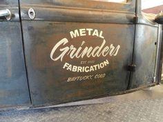 Vintage Pickup Trucks, Old Trucks, Vintage Logo Design, Vintage Lettering, Truck Lettering, Door Signage, Door Letters, Old Hot Rods, Truck Signs