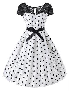 5f6b1d4ba85 Polka Dot Lace Panel Short Sleeve 50s Dress. Robe D intérieurRobe  DroiteCoutureTenueRobes De Style VintageRobes Des Années 50Robes ...