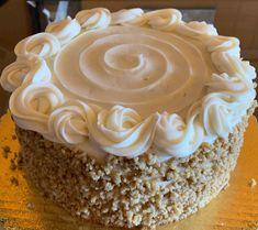 My Dessert, Dessert Recipes, Desserts, Cream Cheese Icing, Happy Birthday Cakes, Cake Decorating Tips, Strawberries And Cream, Carrot Cake, Junk Food