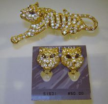 Vintage Trifari Rhinestone Tiger Brooch Earrings Book Set Mint Card