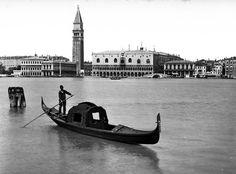 Venezia by Tomaso Filippi http://www.extramoeniart.it/all-arount/venezia-tra-800-e-900-nelle-fotografie-di-tomaso-filippi