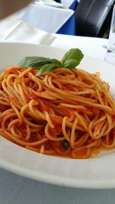 Spaghetti al pomodoro. Il padrino. I love Italy!