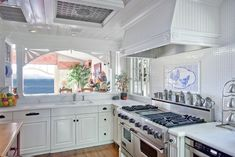 From the ocean view to the heavy-duty oven, there is nothing ordinary about this Laguna Beach kitchen.