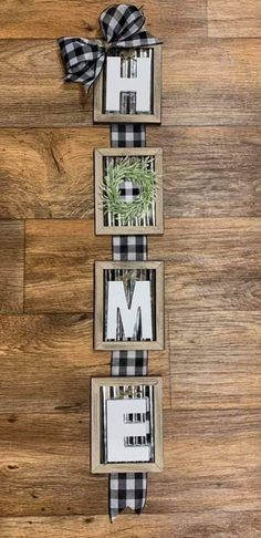 Upcycled Crafts, Easy Diy Crafts, Fall Crafts, Decor Crafts, Home Crafts, Dollar Tree Decor, Dollar Tree Crafts, Christmas Craft Show, Picture Frame Crafts