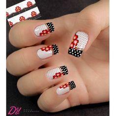 Nail Art Decoration With Rhinestones And Glitter Nail Art Hacks, Gel Nail Art, Nail Manicure, Red Nail Designs, Beautiful Nail Designs, Fancy Nails, Cute Nails, Golden Nails, Floral Nail Art