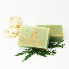 This homemade Partridge In A Pear Tree Soap is perfect for the holidays and fits neatly inside a stocking as a homemade Christmas gift idea!