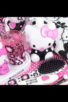 Hello Kitty bathroom set! Love! <3