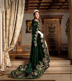 Modern reconstruction of Russian court dress http://www.livemaster.ru/item/2692433-subkultury-russkoe-pridvornoe-plate