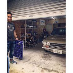 … 今日は愛犬の病院 放射線治療のため先生に預け先生と大学病院へ。 大阪で待ってる間に中学の同級生 なっ君の事務所にちょっと寄って 物を受け取りネットカフェへ移動。 ひたすら待ちます… アッシュ頑張れ✊ … #愛犬 #癌治療 #家族 #なっくん#ツレ#同期 #510#bluebird#車庫付き事務所 #シャッター動画撮れるタイプ #大阪松原動物病院