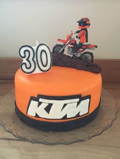 Ktm cake this would be cute for my birthday cake for Decoration ktm