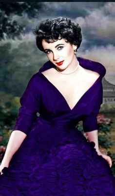 Most Beautiful Actress of the Hollywood Elizabeth Taylor. Old Hollywood Style, Hollywood Icons, Golden Age Of Hollywood, Vintage Hollywood, Hollywood Glamour, Hollywood Stars, Hollywood Actresses, Classic Hollywood, Actors & Actresses