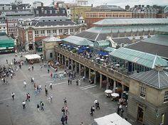 Covent Garden in Londen, ga er zeker heen als je in Londen bent ; zeer gezellige uitgaangsplek met tal van leuke pubs!