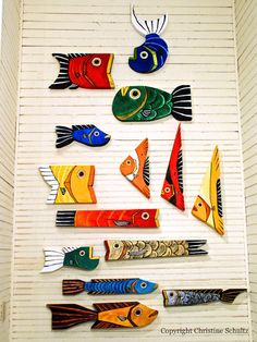 Reclaimed Wood Fish Decor on Painted Barnwood Gold por TaylorArts