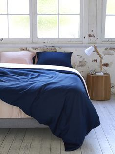 Ettitude Organic Bamboo Lyocell Taylor Colourblock Duvet Cover Set - Blue Nights and Cloud Pink