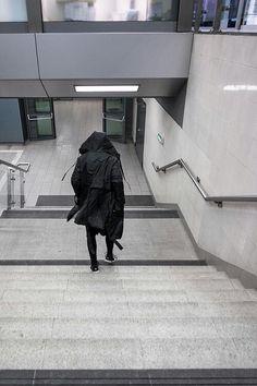 Walk in black  #black #fashion #allblack #streetwear #urban