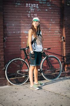 Isabelle rides a Specialized fixed gear bicycle photographed on S. and Berry St., Brooklyn en route to East River Bar Urban Cycling, Urban Bike, Bmx, Fixed Gear Girl, Cycling Girls, Cycling Gear, Cycling Equipment, Cycle Chic, Road Bike Women