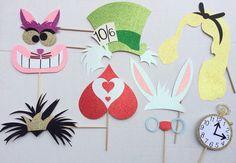 Inspirado en Alicia en el país de las maravillas Photo Booth Props; Fiesta de cumpleaños de Disney; Apoyos de Photobooth de Tea Party
