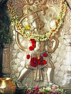Anjaneya Swamy at Chamundi Temple Mysore Hanuman Photos, Hanuman Images, Ganesh Images, Lord Shiva Painting, Ganesha Painting, Tanjore Painting, Hanuman Chalisa, Shree Krishna, Hanuman Wallpaper