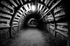 Podziemny chodnik w Kopalni Guido / fot. Przemasban, CC-BY-SA 3.0
