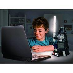 LEGOスターウォーズシリーズより、ダースベイダーデスクランプが登場しました。  デスクに置くと飾りにもなりますし、ライトセーバーが光りますので、ファンにはたま