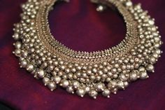 Indian Jewellery and Clothing: Antique gold bridal necklace from Gitanjali Jewels. Ankle Jewelry, Tribal Jewelry, Silver Jewelry, Antique Jewelry, Silver Earrings, Collar Hippie, Silver Anklets, Silver Payal, Payal Designs Silver