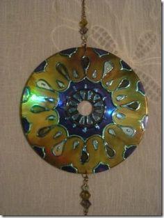 Criando mandalas e reciclando CDs, passo a passo                                                                                                                                                                                 Mais