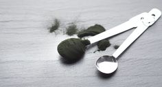 For a tiny algae, #spirulina sure packs a powerful punch! It's our #IngredientOfTheWeek for good reason—it's awesome.