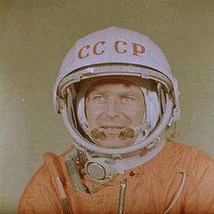 Nasa, Vostok 1, Space Suits, Space Race, Vintage Space, Space Exploration, Soviet Union, Discovery, German