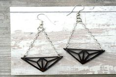 GEO TRI DELTA EARRINGS - classic lines with retro details.