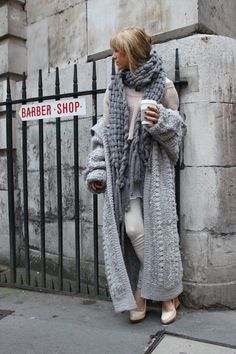 28101a6f15 15+ Outfit Ideas To Wear Oversized Clothes Chunky Knits