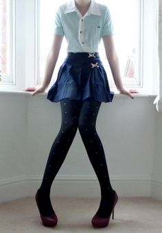 Twinkle twinkle, little star! Totally <3 the little studs on these jet black tights.