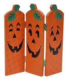 Wooden Fall Halloween Pumpkin Screen -Set of 6 - Table and Shelf Decorations - Fall and Halloween - Holiday Crafts Diy Halloween, Halloween Wood Crafts, Trendy Halloween, Halloween Displays, Halloween Painting, Halloween Pumpkins, Halloween Decorations, Christmas Decorations, Halloween Pallet