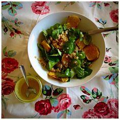 Salada de quinoa, agrião e batata-doce